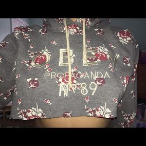 Cropped Obey hoodie